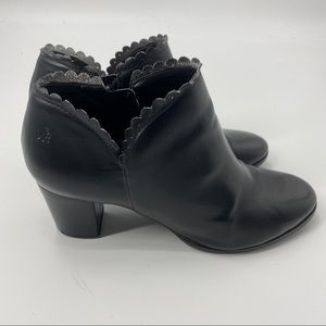 Jack Rogers black scalloped booties size 36